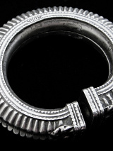 Single Old Afghani Silver Hollow-form Bangle