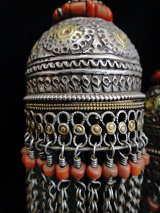 closeup of top of Antique Silver Bucharan Tassle