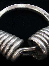 Single Antique Silver Dong Bracelet