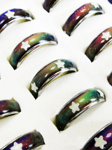 60 pieces color-changing mood rings with glow-in-the-dark stars