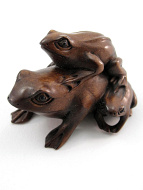handcarved boxwood netsuke of three frogs