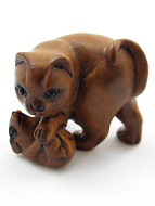 handcarved boxwood netsuke of cat and mouse