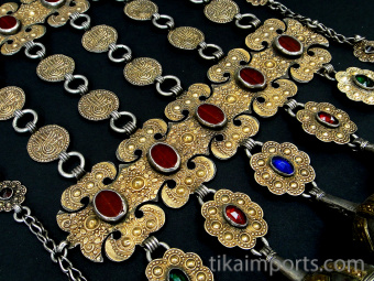 closeup detail of Antique Turkoman Yamut chest piece