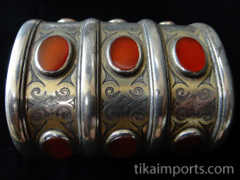 closeup detail of one three-tiered Turkoman Cuff