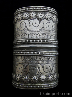 top view of Antique Afghani single Silver cuff