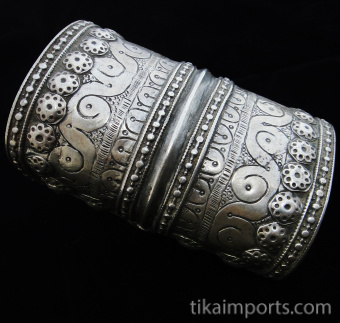 side view of Antique Afghani single Silver cuff