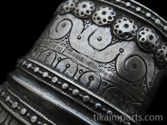 closeup view of Antique Afghani single Silver cuff.