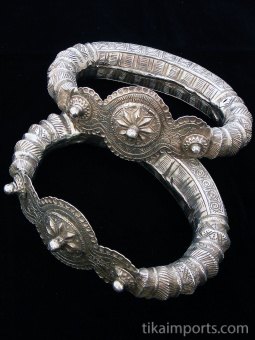 Pair of Old Indian Silver Repousee Hollow-form Anklets