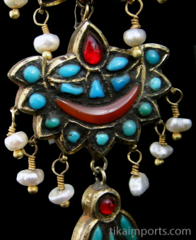 closeup of Antique Afghani Gilt Silver Earring