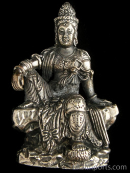 Seated Quan Yin brass deity statue, the goddess of compassion