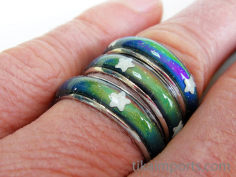 color changing mood rings with glow-in-the-dark stars