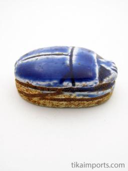 side view of medium scarab bead