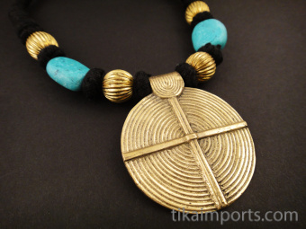 Naga Style Black & Brass Necklace ~ Round